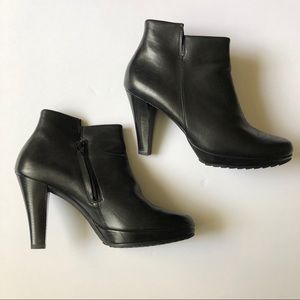 Paul Green Alexa Black Leather Boot Size 9